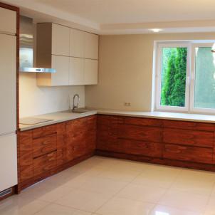 produkcja mebli kuchennych obszerna kuchnia duża przestrzeń dom rodzinny