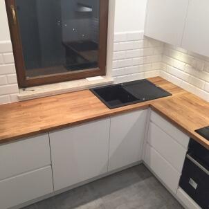kuchnie na zamówienie oświetlenie kuchni jedno okno