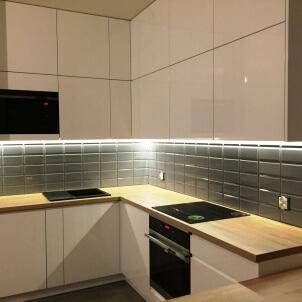 meble na wymiar wyszków wysoka zabudowa szafek kuchennych